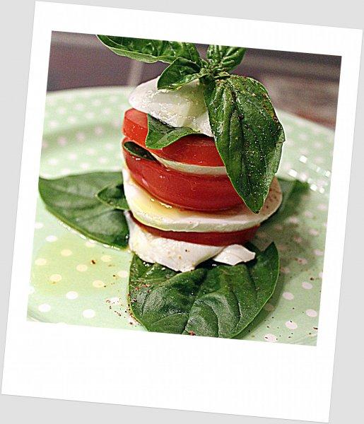 Mozzarella- paradicsom-torony